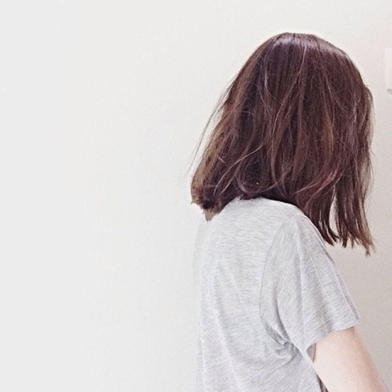 Девушка фото со спины на аву с короткой стрижкой