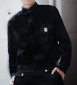 Color: Diamond White   Shadow Black Fabric: Premium Cotton Satin Details: - เชิ้ตแขนยาว - ผ้านำเข้าจากญี่ปุ่น ผ้านุ่มลื่น เงาสวย - ทรง Regular Fit - ซ่อนกระดุมกลางลำตัว (กระดุมสีเงินด้าน) - อะไหล่ตัวล็อคสีเงินบริเวณกระเป๋า  Size:  (1) Size S: รอบอก 37 นิ้ว ความยาวเสื้อ 27 นิ้ว (2) Size M-L: รอบอก 41 นิ้ว ความยาวเสื้อ 28 นิ้ว (3) Size XL: รอบอก 45 นิ้ว ความยาวเสื้อ 30 นิ้ว  Price: 1290 บาท