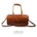 The (compact) Duffle Leather Bag  กระเป๋าขนาดกระทัดรัด ที่สามารถสะพายเดินห้างในวันสบายๆ กับความจุที่พร้อมพาคุณเที่ยวแบบ backpacker! ผลิตด้วยหนังวัวฟอกฝาดแท้ (Vegetable Tanned Leather) จาก Australia เต็มผืน ตัวหนังนี้มีความหนาพิเศษ ทำให้กระเป๋าอยู่ทรงสวยงาม เฟตสีของหนังแท้ตอกย้ำแนวคิดของการขับลวดลายธรรมชาติลงบนกระเป๋า  คุณสมบัติ - ผลิตจากหนังวัวฟอกฝาด(Vegetable Tanned Leather) ทั้งใบ - ภายใน มีช่องหลักใหญ่และช่องเล็ก 2 ช่อง - ช่องใส่ของเพิ่มเติมที่หัวท้ายกระเป๋า ด้านละ 1 ช่อง - ช่องซิปใส่ของด้านใน 1 ช่อง - สายกระเป๋าทำจากหนังฟอกฝาด (Vegetable Tanned Leather) ทั้งเส้นสามารถถอดและปรับความยาวของสายได้  วัสดุที่ใช้ - หนังฟอกฝาด(Vegetable Tanned Leather) ทั้งใบ - ภายในบุด้วยผ้า Canvas 12 Oz. ช่วยป้องกันสิ่งของในกระเป๋า  ขนาดและน้ำหนัก - Size : 16″(L) 7.5″(H) 7.0″(W) - Weight : 1 Kg.  #ผู้ชาย #men #กระเป๋า #กระเป๋าถือ #กระเป๋าหนัง #กระเป๋าผู้ชาย