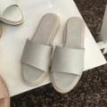 "- THARA - Basic sandals Color : Light grey Size : 34-43 Height : 0.5"" พื้นนิ่ม ใส่สบายมากค่ะ   (กรุณาสอบถามไซส์ด้วยนะคะ) #beachwear #minimal #monochrome #winter #hipster  #THARA"