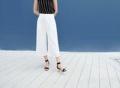 Hana quarter shorts  color : White price : 650  #กางเกง #กางเกงผู้หญิง #กางเกงผู้หญิงขายาว #กางเกงขายาว #กางเกงขายาวผู้หญิง
