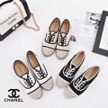 👟👟 #รองเท้าพร้อมส่ง 👟👟 🎀ราคา :: 450฿.  📮 ค่าจัดส่ง :: ลงทะเบียน 50฿ Ems 70฿ Wowwwww พร้อมส่งรุ่นแนะนำ !!! รองเท้า STYLE CHANEL แบบเหมือนใน SHOP ผ้าแคนวาสอย่างดี มาพร้อมส้นเชือกปอถักเกร๋ๆ จับแมทกับชุดง่าย สีสุภาพ สวยจริงอะไรจริง  ทรงสวย ใส่สบาย ใส่แล้วดูดีดูไฮโซฝุดๆ  อย่ามัวรีรอ ช้าหมดอดเกร๋เน้อ สั่งด่วนเลยจร้า  Code : TJ Size 36-41(sizeปกติ) สีขาว ดำ ครีม  🌸รูปถ่ายจากสินค้าจริง แสงอาจสว่างกว่าเล็กน้อย 🌸 📌📌ทางร้าน QC สินค้าทุกคู่ก่อนส่งค่ะ ไม่รับเปลี่ยน/คืนสินค้าทุกกรณีค่ะ #chanel #copbreand #vintage   #รองเท้าคัชชู #รองเท้าแฟชั่น #รองเท้าผู้หญิง #รองเท้าโลฟเฟอร์ #loafershoes #loafer #รองเท้าหุ้มส้น #สินค้าถ่ายจากงานขายจริง #รองเท้าส้นแบน #แฟชั่นผู้หญิง #สวยเหมือนแบบ #รองเท้าเพื่อสุขภาพ #shoes #รองเท้าหนัง #chic #hipter #cute  #iltoeyjung
