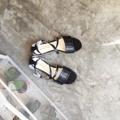 'Camillia shoes'  รองเท้าแตะคาดสายไขว้หน้าพร้อมที่รัดส้นด้านหลัง จะใส่ไปทำงานก็ดูเรียบร้อยไปอีกแบบค่ะ อยากได้สีไหนเป็นพิเศษ สามารถสั่งได้เช่นกันนะคะ  Size : 36-40 (another size can be made to order) Color : Black/Beige  Line ID: coquetshoes #coquetshoes