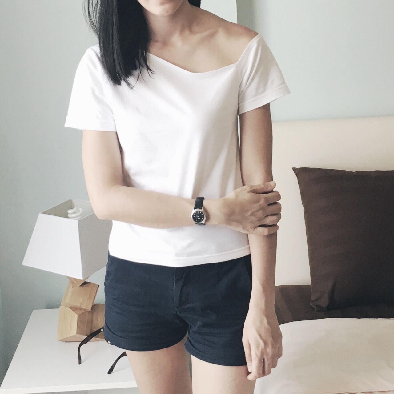 LapinDesigns,ผู้หญิง,Women,เสื้อยืด,เสื้อผู้หญิง,เสื้อยืดผู้หญิง,tshirt,เสื้อยืดแขนสั้น,เสื้อยืดสีพื้น,เสื้อยืดสีขาว
