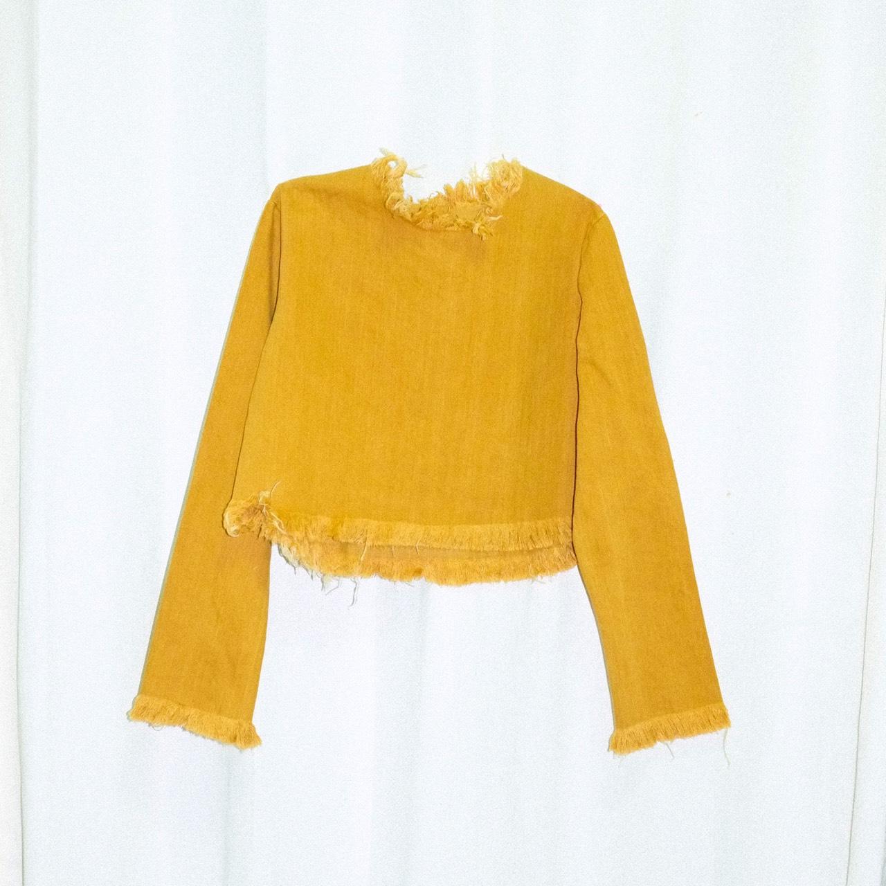 Dottodot33,เสื้อครอป,เสื้อผู้หญิง,เสื้อคอกลม,เสื้อแขนยาว