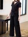 รุ่นนี้มาเพิ่มแล้วนะค้า ทั้งสีขาว ดำ ชมพูเลยค่า 💕 . #HS272 Bella short sleeve Top  Fabric: Pepe  Available in Ivovy white / Black / Pink  Size: S / M / L  Price: 1,790 Baht . เสื้อตัวนี้ใช้ผ้าเปเป้ค่ะ ปูผ้ากาวและมีซับในอย่างดีทั้งตัวค่ะ เป็นทรงสวยพอดีตัว ใส่แล้วเก็บทรงช่วยพรางหุ่นได้ดีมากๆเลยค่ะ ที่สำคัญมี choker แยกชิ้นให้ด้วยนะคะ จะใส่หรือไม่ใส่ก็ได้ตามใจคุณลูกค้าเลยค่ะ ไม่ใส่ก็จะดูเป็นอีกลุคหนึ่งเลยค่ะ คัตติ้งเนี๊ยบเหมือนเดิมค่ะ <3   Timeless Pants  Available in Ivovy white / Black / Blue / Beige Size: XS / S / M / L  Price: 1,990 Baht 🔥🔥now 1,390🔥🔥 . เป็นกางเกงขายาวทรงตรงค่ะ ถึงจะเป็นกางเกงสีขาว ใส่แล้วก็ไม่บางไม่โป๊แน่นอนค่ะ มีเพราะปูผ้ากาวและมีซับในให้ด้วยค่ะ ใครที่ใส่กางเกงสีขาวไม่รอด แนะนำตัวนี้เลยค่า ใส่แล้วเป็นทรงสวย ไม่ดูบานจนเกินไปแน่นอนค่ะ .