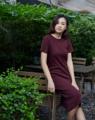 Kiri Dress . เดรสผ้ายืดคอกลมแขนสั้น เนื้อผ้าใส่สบายมากค่า ไม่ฟิตน้า ☺️ . Color: Deep red Size: Free size Price: 890THB
