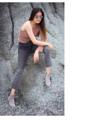 Lucy off-shoulder เสื้อปาดไหล่ ผ้าร่องยืดอย่างดี  Free size Pink/beige  650 บาท
