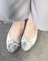 Emma Fog Grey  Available Size : 35-40  Price : 950  Free shipping  รองเท้าหนัง pu คุณภาพดี หนังนุ่มนิ่ม มีกำมะหยี่รองด้านหลัง ทุกเสียงจากลูกค้ายืนยัน ใส่สบาย ไม่กัดเลยค่ะ  #shoesfashion #women #womenfashion #shoeswomen #sandals #รองเท้าผู้หญิง #รองเท้าแฟชั่น #รองเท้าแตะ #รองเท้ารัดส้น #รองเท้าแตะรัดส้น