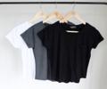 เสื้อยืดคอกลมผ้าเรย่อน Basic Style  ทรงไม่ใหญ่ ตัวสั้น นุ่มนิ่มไม่กระด้าง  Free Size. ราคา 350.- บาท