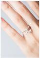 Genie's wish collection แหวน lucky charm Love เป็นแหวนยางยืดที่ร้อยด้วยลูกปัดเงินแท้ 925 Love เหมาะกับสาวโสด ที่กำลังเฝ้ารอความรักครั้งใหม่ที่สมหวังค่ะ  Size S – 48-50 Size M – 50-52 Size L – 52-54
