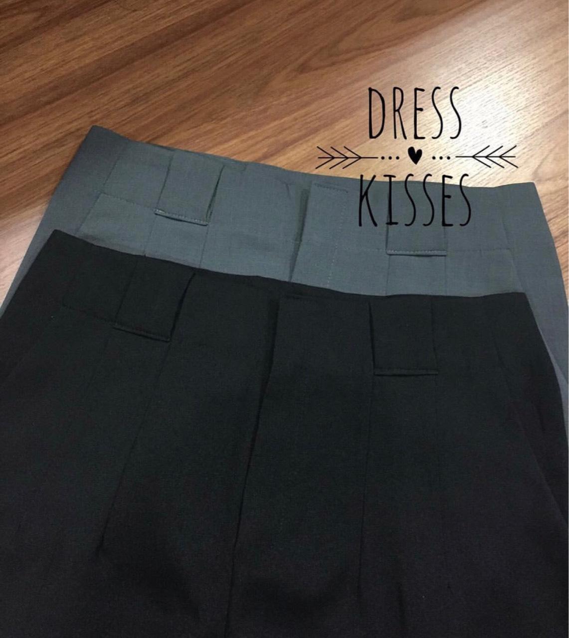 dresskisses