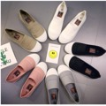 #รองเท้าน่ารัก #รองเท้าสวยๆ #รองเท้าใส่สบาย  รองเท้าพื้นนุ่มใส่สบาย ทำจากผ้าแคนวาส น้ำหนักเบา ใส่ไปเรียนไปเที่ยว เข้าได้กับทุกชุดค่ะ รับประกันสินค้าเหมือนแบบ 100 %   สีขาว ไซด์ 36 38 39  สีเทา ไซด์ 38 สีชมพู ไซด์ 36 37 38 [ไซด์ปกติ]  สินค้ามีจำนวนจำกัดนะคะ  ส่งฟรีแบบลงทะเบียนเฉพาะคนที่กดติดตามค่ะ #Manaow