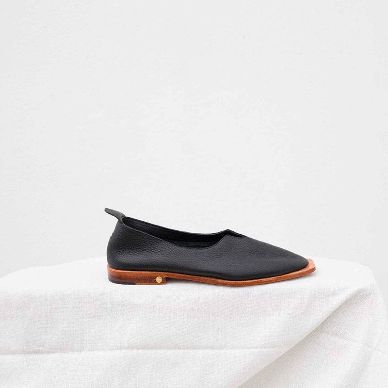 Oysterfootwear,women,รองเท้า,รองเท้าผู้หญิง,รองเท้าหุ้มส้น,รองเท้าสีดำ