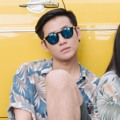Christian - Jet Black Sunglasses Price: THB 4490  Christian เป็นแว่นกันแดดแบบ oversize เป็นทรงที่เป็นที่นิยมเป็นอย่างมากในเอเชียโดยเฉพาะที่เกาหลีใต้ กรอบทำจากเทคโนโลยีเกาหลีในการทำพลาสติกชนิดพิเศษเป็นแผ่นและใช้มือในการตัดเป็นรูป พร้อมทั้งใช้เทคโนโลยีการทำสีอย่างมีคุณภาพ Christian เป็นตัวเลือกที่ดีมากสำหรับแว่นกันแดดซัมเมอร์ของคุณ  Frame Size: 50□21-145○46 Frame Width: M (138 MM) Weight: 32 g   ทรง : Round, Drop กรอบแว่น : Full Rim วัสดุ : Acetate, Titanium and Acetate  #Glazziq #Sunglasses #แว่น #แว่นกันแดด #แว่นตา  #GLAZZIQ