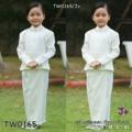 """Set 2 ชิ้น ชุดไทยจิตรลดา #เด็ก สีขาว(อ๊อฟไวท์) จับจีบไหล่ตั้ง เย็บตีเกล็ดหน้าแบบเว้า แต่งกระดุมหน้า ผ้าซาร่า งานสวยอยู่ทรง ตัดเย็บโดยช่างฝีมือ #นางแบบใส่ถ่ายงานขายจริง  สี : 1 สี ขนาด: 4ไซส์   S >> เหมาะกับน้อง 3-4 ขวบ สูง 100 เซน น้ำหนัก 16 กก  เสื้อ รอบอก22-25"""" ยาว16""""  กระโปรง รอบเอวยืด20-25"""" ยาว26""""  M >> เหมาะกับน้อง 4-5 ขวบ สูง 110 เซน น้ำหนัก 18 กก  เสื้อ รอบอก24-28"""" ยาว17""""  กระโปรง รอบเอวยืด20-25"""" ยาว26""""  L >> เหมาะกับน้อง 5-6 ขวบ สูง 120 เซน น้ำหนัก 20 กก  เสื้อ รอบอก26-30"""" ยาว18""""  กระโปรง รอบเอวยืด20-25"""" ยาว26""""  XL>>เหมาะกับน้อง 6-7ขวบ สูง130เซน น้ำหนัก 26 กก เสื้อ รอบอก29""""-32""""ยาว19"""" กระโปรง รอบเอวยืด23""""-28"""" ยาว26"""""""