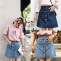 """#deepstore  Detail : Korea Skirt กระโปรงยีนส์ มีกระดุมหน้า กระเป๋าด้านหน้า 2 ข้าง ทรงน่ารักมากๆ ตัดเย็บอย่างดีด้วยผ้ายีนส์แท้ค่ะ Color : เข้ม อ่อน Size เอว 27-28"""" สะโพก 39"""" ความยาว 16""""   #Clothmaker"""