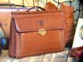 """The Artina""Vintage Men's Messenger Bag,Genuine Leather ----------------------------------- กระเป๋าเอกสารใบโต มาพร้อมกับดีไซน์สุดหรูมสีน้ำตาลอ่อน ขลิปเลือดหมู กระเป๋าช่องหน้าดีไซน์ซิปรูดเปิดทั้ง2ข้าง ช่องกลางแบ่งพาร์ทอย่างเป็นสัดส่วน ด้านหลังมีช่องหลังใส่ของได้ ปิดซ่อนด้วยฝาปิดด้านหลังสวยงาม Body Marerial :: PU Leather Size กว้าง(W)41xสูง(H)31.5xลึก(D)10CM. Price  1,150.-THB ส่งฟรีลทบ. สนใจรายละเอียดเพิ่มเติมได้ครับ 24Hr. Line  nudtys Page https://m.facebook.com/A1920BagsVintage Phone Num. 0932426519 ------------------------------------------ #used #vintagestyle #vintageshop #vintagebag #leatherbag #bag #อยากขาย #กระเป๋า #วินเทจ #กระเป๋าเดินทาง #มือสอง #pattaya #กระเป๋าหนัง #A1920s"