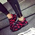 ใส่เท่ห์แหวกแนวไม่ซ้ำใคร Ulzzang Sneakers ผลิตจากหนังกำมะหยี่สีดำ ตัดด้วยหนังเงาสีแดง โดดเด่น มีสไตล์ น้ำหนักเบา สวมใส่สบาย  Size : 40,43,44  Price : 990.-  ____________________  Contact  Line : earth8points Tel : 0800600668 IG : ulzzangshop  IG : ulzzangtshirt Facebook : ulzzangshop  ____________________  Ulzzangshop ยูเนี่ยนมอล์ล ลาดพร้าว ชั้น F3 ฝั่งทางออกลานจอดรถ ห้อง L70 __________________