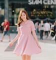 Dress : Kate #PKkatedress  color : pink size : XS , S , M , L length : XS-33 , S-34 , M-35 , L-36 price : 1,990 THB ________________ details : เดรสตัวนี้บอกเลยว่าทรงสวยมาก แพทเทิร์นเป๊ะ มีซับในเรียบร้อย ปกบัวมีกระเป๋าหลอกที่หน้าอก เป็นทรงกระโปรงบานๆออกสไตล์ Classic vintage พลางสะโพกได้เลย mush have เลยจร้า  ระบุสีใน Note to seller ตรงขั้นตอนชำระเงินได้เลยนะคะ ^^  _______________ #PHAKHAbrand #PHAKHA   #phakhabrand