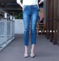 """งานขายดีกลับมาอีกครั้ง รอบ 2 มาเพิ่มครบไซส์ ยังคงความ hot เหมือนเดิม !!! 🔥🔥 IN STOCK!!! High-waist ripped jeans กางเกงยีนส์ขา 9 ส่วน แต่งขาดปะซ้อนผ้าดำด้านในอย่างดี ปลายขาตัดเฉียงดูมีสไตล์สุดๆ รุ่นนี้เป็นทรงเอวสูงนะคะ ใส่สวยมากๆ ได้ลุคเซอร์ๆ แต่แอบแซ่บ เก็บสัดส่วนสวย เนื้อยีนส์หยืดหยุ่นกระชับ ใส่สบาย รุ่นนี้หน้าร้านขายดีมากๆค่ะ แมทช์กับเชิ้ตหรือเสื้อยืดสักตัว สวยดูดี ถูกใจมากๆ งานนี้สาวแซ่บไม่ควรพลาด จองด่วนๆค่ะ ** premium quality ทรงนี้กำลังเทรนมากก ผ้ายืดได้เยอะ ใส่แล้วสวยมาก ท้าให้ลอง ☺️** S เอว 23-25"""" สะโพก 30-35"""" M เอว 25-27"""" สะโพก 31-37"""" L เอว 26-29"""" สะโพก 32-39"""" ยาว 32""""  #chickkstyle"""