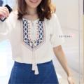 "Chiang-Mai Blouse ผ้าฝ้ายนิ่มๆ ปักลาย ใส่สบายมากๆค่ะ แมทช์กับอะไรก็น่ารัก ♡ Price : 390 บาท ♡ Size : อก 38"" ♡ Color : White 💬Line : @sopearl_closet (มี@ด้านหน้าค่ะ) #SoPearlCloset"