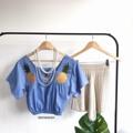 """PULPY PINE CROP TOP (490thb) Size : bust-40"""" length 19.5"""" เสื้อครอปเอวจัมพ์ สีฟ้า ปักลายสับปะรดแน่นๆ - - - - - - - - - - - - - - - - - - # ภาพของทางร้านถ่ายเองทั้งหมดจากสินค้าจริง #Brownish"""