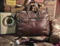 """Daniel Hechter Paris"" Messenger bag / Briefcase -------------------------------------- กระเป๋าเมสเซนเจอร์ แบรนด์ดังจากฝรั่งเศสด้านหน้าช่องซิปยาว ช่องกลางมีกระเป๋าเจาะสำหรับเสียบการ์ด ปากกา 3ช่อง ซับในผ้ามันเงาสวยงาม สามารถใส่แล็ปท็อปส์ได้ หมุด ดุม ปั๊มตราแบรนด์ทุกจุด มาพร้อมสายสะพายยาว (สีจริงเขียวเทา) สภาพ90% มีตำหนิคือ เปลี่ยนป้ายโลโก้ด้านหน้า Body Marerial :: Top Grain Oil wax Leather Size กว้าง(W)45xสูง(H)31ลึก(D)8CM. Price  1,200.-THB ส่งฟรีลทบ. สนใจรายละเอียดเพิ่มเติมได้ครับ 24Hr. Line  nudtys Page https://m.facebook.com/A1920BagsVintage Phone Num. 0932426519 ------------------------------------------ #used #vintagestyle #vintageshop #vintagebag #leatherbag #bags #bagshop #วินเทจ #กระเป๋าเดินทาง #มือสอง #pattaya #กระเป๋าหนัง #A1920s"