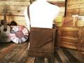 Brown Suede Samurai Crossbody Bag! ----------------------------------- หนังกลับ สวยๆ ไม่มีคราบเปื้อน ไม่มีคราบน้ำ บางๆเบาๆ ทรงสูง เท่ห์ๆ Body Marerial :: Leather Suede Size กว้าง(W)30xสูง(H)33 CM. Price 1100.-THB ค่าส่งลงทะเบียน 50฿ สนใจรายละเอียดเพิ่มเติมได้ครับ 24Hr. Line  nudtys Page https://m.facebook.com/A1920BagsVintage Phone Num. 0932426519 ------------------------------------------ #used #vintagestyle #vintageshop #vintagebag #leatherbag #bags #bagshop #วินเทจ #กระเป๋าเดินทาง #มือสอง #pattaya #กระเป๋าหนัง #กระเป๋าเป้ #กระเป๋าเป้สะพายหลัง #กระเป๋าเดินทาง #backpack #backpacking #backpacker  #กระเป๋าเท่ห์ #กระเป๋าเท่ห์ๆแบบวัวตายควายล้ม #A1920s