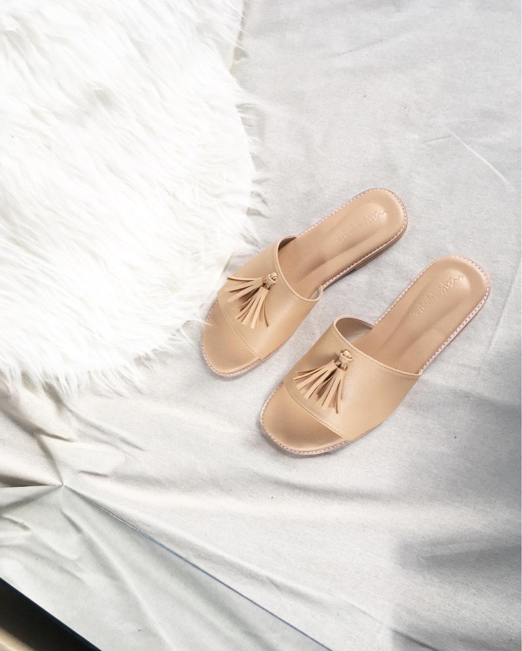 Whiteoakshoes,sandals,fashion,womenfashion,womenshoes,shoes,รองเท้าแตะ,รองเท้าแฟชั่น,รองเท้าแตะสวม,รองเท้าผู้หญิง,รองเท้านิ่ม