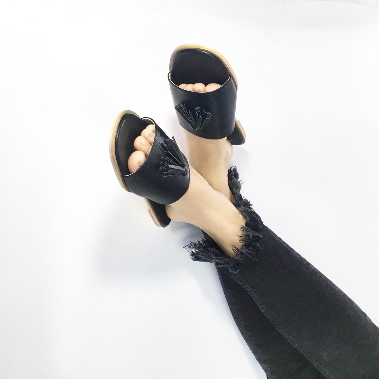 sandals,fashion,womenfashion,womenshoes,shoes,รองเท้าแตะ,รองเท้าแฟชั่น,รองเท้าแตะสวม,รองเท้าผู้หญิง,รองเท้านิ่ม,Whiteoakshoes