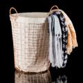 **ราคาปกติ 1,580 บาท  PRIM ตะกร้าผ้า (Laundry Basket) รหัสสินค้า : 8383LB0100790  - ผลิตจากลวดเคลือบสีกันสนิม - แข็งแรง ทนทาน ใช้งานได้ยาวนานขึ้น - มีหูหิ้ว สะดวกในการยก - มีถุงผ้าฝ้ายรองด้านใน สามารถถอดซักได้ - สีทองแดง - ขนาดสินค้า 37.5 x 35 x 46.5 ซม. - จำนวน 1 ใบ  หมายเหตุ : สีของสินค้าที่ปรากฎ อาจมีความแตกต่างกันขึ้นอยู่กับการตั้งค่าของแต่ละหน้าจอ  ---------------------------------------------------------------- #CUSHY #PRIM #CHERISH #FNOUTLET #fnoutlet #Single #Bedding #Cotton #Basket #ตะกร้าผ้า #ตะแกรง #ลวด #ทองแดง #ถุงผ้า #ตะกร้าลวด #ตะกร้าพลาสติกสาน #ซักผ้า #เครื่องซักผ้า #น้ำยาซักผ้า #ผงซักฟอก #น้ำยาปรับผ้านุ่ม #น้ำยาฟอกขาว