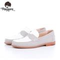 Moccasin (White,Grey,Black)  Size 35-40 ผลิตจากหนังวัวแท้ พื้นนุ่ม แมตช์กับชุดได้ง่าย สวมใส่เบาสบาย Handmade Genuine Leather Shoes with extra sponge  Color : White-Gray **Size** Size 35 Length 23.5 CM. Size 36 Length 24 CM. Size 37 Length 24.5 CM. Size 38 Length 25 CM. Size 39 Length 25.5 CM. Size 40 Length 26 CM.