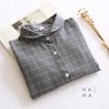 """❁ Aki Waffle Shirt เชิ้ตแขนยาวผ้า cotton 100% ทอนุ่มสีเทาลายตาราง ปกเสื้อโค้งคล้ายคอบัว ผ้าทึบและไม่บางไม่ต้องใส่ซับในก็ได้ ผ้าใส่สบายมากรีดง่ายอยู่ทรงสวย ใส่เที่ยวใส่ทำงาน ใส่คู่กับอะไรก็น่ารัก - - - - - - - - - - - - •• ยาว 23.5"""" อก 38"""" ไหล่ 15""""- 16"""" รอบต้นแขน 19"""" •• ราคา 690 บาท  ------------------------------------------------------ #ผู้หญิง #women #เสื้อเชิ้ต #เสื้อเชิ้ตผู้หญิง #เสื้อเชิ้ตแขนยาว #เสื้อเชิ้ตลายตาราง"""