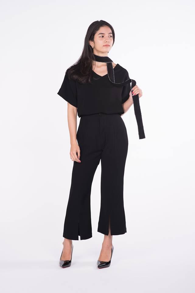 เสื้อสีดำแขนสั้น,กางเกง5ส่วน,PLY