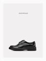 """"""" DOUBLE BLACK """" รองเท้าหนัง Handmadeประกอบมือ ออกแบบโดยผสานตัวรองเท้าที่เรียบง่ายเข้ากับพื้นโฟมดำสูงมีเอกลักษณ์  เพื่อแสดงออกถึงความความเชื่อมั่นในตัวตนของผู้ส่วมใส่  EU Size : 39,40,41,42,43, 44 สินค้าใส่ไม่พอดี หรือ ไม่พอใจสินค้าสามารถเปลี่ยนหรือคืนได้ครับ ( เฉพาะสินค้าที่อยู่ในสภาพสมบรูณ์ไม่ผ่านการใช้งานครับ )  ตัวรองเท้า : หนังวัวแท้ขัดมัน พื้นรองเท้า : โฟมป้องกันการยุบตัว ด้านใน : บุด้วยหนังแท้ การผลิต : Handmade ประกอบมือ    รองเท้า KEEPROAD ทุกคู่ใช้กระบวนการผลิตแบบ HANDMADE ประกอบมือ ทำให้สินค้าทุกชิ้นมีร่องรอยของงานฝีมืออันเป็นเสน่ห์เฉพาะของงาน Handmade ที่หาไม่ได้ในงานที่ผลิตจากเครื่องจักร  ----------------------------------------------------- #men #ผู้ชาย #รองเท้า #รองเท้าผู้ชาย #รองเท้าหนัง"""