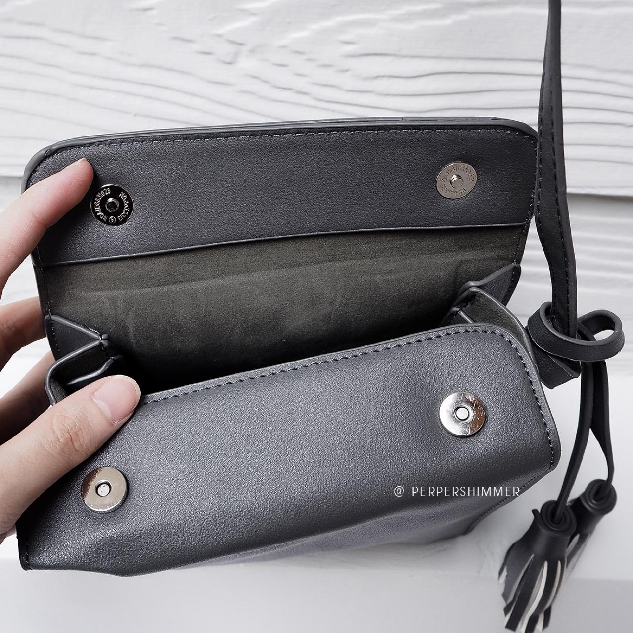 PEPPERSHIMMER,ผู้หญิง,Women,กระเป๋า,กระเป๋าผู้หญิง,bag,กระเป๋าสะพาย,กระเป๋าใบเล็ก,กระเป๋าสีดำ,สีดำ