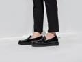 Layer Brown รองเท้าหนัง Handmadeประกอบมือ ออกแบบโดยผสานตัวรองเท้าที่เรียบง่ายเข้ากับพื้นโฟมดำมีเอกลักษณ์ เพื่อเป็นอีกหนึ่งทางเลือกคุณภาพสำหรับปลดปล่อยสไตล์ที่เป็นคุณ  ตัวรองเท้า :  หนังวัวแท้ขัดมัน พื้นรองเท้า : โฟมป้องกันการยุบตัว ด้านใน : บุด้วยหนังแท้ การผลิต : Handmade ประกอบมือ   สินค้าใส่ไม่พอดี หรือ ไม่พอใจสินค้าสามารถเปลี่ยนหรือคืนได้ครับ ( เฉพาะสินค้าที่อยู่ในสภาพสมบรูณ์ไม่ผ่านการใช้งานครับ )  ----------------------------------------------------- #men #ผู้ชาย #รองเท้า #รองเท้าหนัง #รองเท้าผู้ชาย #รองเท้าหนังสีดำ #รองเท้าหุ้มส้น