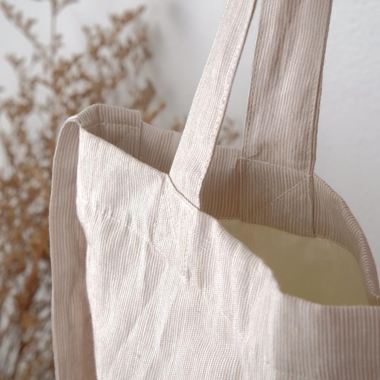 กระเป๋าผ้า,กระเป๋าผ้าลินิน,handmadebag,totebag,canvastotebag,canvasbag,minimalstyle,waraleesday,linenbag,linenfabric,totebagthailand,linentotebag,women,bag,ผู้หญิง,กระเป๋า,กระเป๋าสะพาย