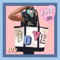 """⚾️⚾️⚾️ VARSITY Love  tote bag กว้าง 20"""" สูง 14"""" หนา 5.5"""" ความยาวสาย 9"""" วัสดุ ผ้าแคนวาสหนา คุณภาพดี มีความทนทาน สี White-navy ราคา 1690 THB free ems!! สามารถจุของได้เยอะมากมาย จะใส่เสื้อผ้าไปทะเลก็สบาย หรือแม้แต่อุปกรณ์กีฬา ก็ยังได้ 🏈🏈🏈🏈 #Daddyandthemuscleacademy"""