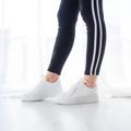 ร้องเท้าผ้าใบผูกเชือก แพทฟอร์มสูง 1.5 นิ้ว ช่วยเพิ่มความมั่นใจขณะสวมใส่ ใส่ได้ตลอด ไม่มีเอ๊าท์แน่นอนค่ะ  ความยาวเท้าที่เหมาะสมกับขนาดรองเท้าค่ะ --------------------------------------------- เท้ายาว 24 ซม. ใส่เบอร์ 38 เท้ายาว 24.5 ซม. ใส่เบอร์ 39  ----------------------------------------- #women #ผู้หญิง #รองเท้า #รองเท้าผู้หญิง #รองเท้าผ้าใบ