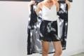 """Big charmie bird set - shorts กางเกงขาสั้นผ้าชีฟองเนื้อดี พร้อมซับใน มาคู่เซ็ตกับเสื้อคลุมตัวยาว (รูปต่อไป) จะใส่เป็นเซ็ตสวยมากก หรือจะใส่เดี่ยวได้บ่อยๆ สวยมากเลยยย รับประกันนก้า!! size: เอวยืด24-36"""" สะโพก 40"""" ยาว 14"""" 🔖 price:  กางเกงขาสั้น 390.- free ems เสื้อคลุมตัวยาว 450.- free ems ทั้งเซ็ต (เสื้อคลุม+กางเกง) 790.- free ems"""