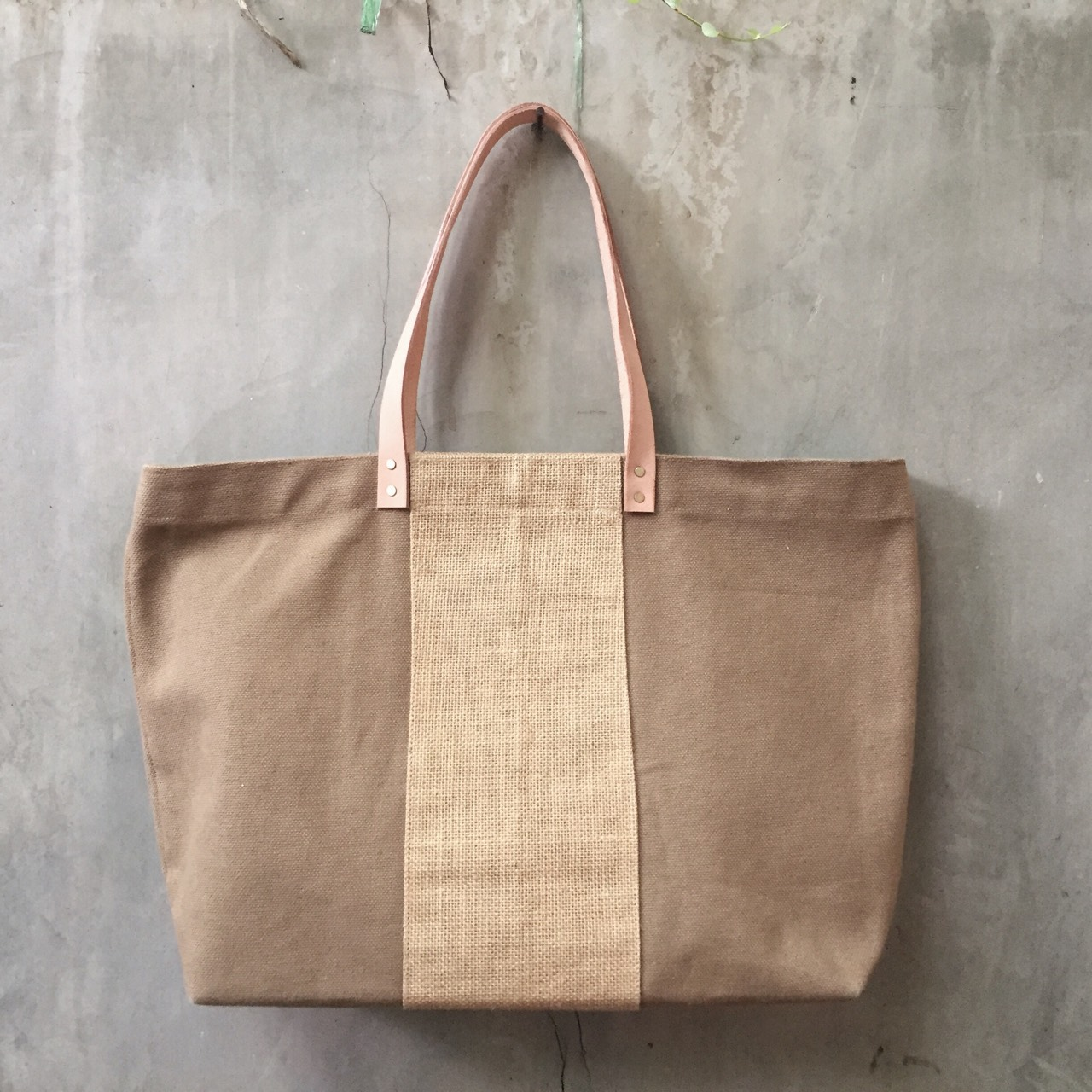 lapin,canvas,bag,Lapindesigns,leather,fashion,style,chicstyle,กระเป๋า,แคนวาส,madetoorder,minimal,hipster,LapinDesigns