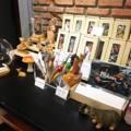 ปากกา Animals Craft Wooden pen - Box Set 1 เซ็ตประกอบด้วย ปากกา 1 ด้าม + กล่อง   ลาย: แรด, สิงโต, เสือดาว, ม้าลาย, ,ม้าลายเต็มตัว, ม้า, หมีแพนด้า, ฮิปโป, ยีราฟสีอ่อน, ยีราฟสีเข้ม, กวาง, ลา, แกะ, หมี   หมึกมี 2 สี: น้ำเงิน, ดำ  **ระบุลายที่ต้องการไว้ที่ Note to Seller หรือ ช่องข้อความเพิ่มเติมถึงร้านค้าได้เลยนะคะ