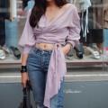 """Maria blouse  ราคา 350  Size : อก 40"""" ยาว 22"""" __________________________________________ Detail : เสื้อไขว้หน้าผ้า cotton งานผ้าดีมากกทรงดีมากกก งานตัดนะคะ ไม่ใช่งานขายตามตลาดทั่วไป ใส่แมทซ์กับยีนส์ซักตัวจบ ได้ลุคเก๋ๆดูแพงไปอิ้กกก ตำกันเลยค่าาา __________________________________________ สินค้ามีพร้อมส่ง ถ่ายจากงานขายจริง #ถ่ายจากสินค้าจริง #ดูรูปเพิ่มเติมได้ #เสื้อผูกเอว #เสื้อไขว้หน้า #เสื้อผ้าผู้หญิง #เสื้อผ้าแฟชั่นผู้หญิง #basic #top #instockvd #Valdus #Valdus"""