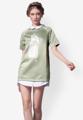 """สวยเก๋ในสไตล์สาวตะวันตกเมื่อเลือกชุดเดรส Double Layer Silk Birdy จาก Mirror Dress ที่สกรีนลายนกสีขาวตัดกับตัวเสื้อสีเขียวอ่อนและผ้าขาวที่ทำเป็นปกด้านในและชายเสื้อที่ตัดกับตัวผ้าพื้น  - ผลิตจากผ้าโพลีผสม - คอปก - แขนสั้น - ซิปซ่อนด้านหลัง สวมใส่ง่าย - ทรงปกติ  รอบอก&รอบสะโพก x ความยาวชุด x แขนยาว S (36.2"""" x 32.6"""" x 7.8"""") M (37"""" x 33"""" x 8.3"""") L (37.7"""" x 33.4"""" x 8.7"""")"""