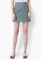 """กระโปรงสั้นจากแบรนด์ Mirror Dress ที่ใครเห็นก็ต้องหลงรักกับความน่ารักของการเลือกใช้ผ้าคอตต้อนสีเขียวขี้ม้า และเดินเส้นเชือกสีขาวคล้องผูกด้านหน้าเพิ่มความเท่ห์ เพียงแค่ใส่แมทช์กับเสื้อยืดสีขาวก็สวยได้ง่ายๆ  - ผลิตจากผ้าคอตตอน - ซิปซ่อนด้านข้าง - ทรงเข้ารูป - ไม่มีซับใน  ขนาด : รอบเอว x รอบสะโพก x ความยาว (นิ้ว) S ( 25"""" x 34.6"""" x 16.5"""") M ( 26.7"""" x 36"""" x 16.5"""") L ( 28.3"""" x 37.7"""" x 16.5"""")"""