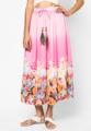 """ขนาด : รอบเอว x ความยาว - One Size (22""""-32"""" x 36"""")  เสริมลุคสาวหวานไปกับแม๊กซี่สเกิร์ต จาก Mirror Dress ที่แต่งเชือกรูดด้วยหางนกยูงพร้อมลูกปัดไม้สีสดใส พร้อมพริ้นท์ลายดอกสุดหวานด้านล่างบนผ้าชีฟองเนื้อบางเบา - ผลิตจากผ้าชีฟอง - เอวยางยืดพร้อมเชือกรูด - ทรงยาว - ขนาดพอดี - มีซับใน"""