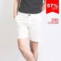 """:: กางเกงขาสั้น - Off White Chino Shorts ::  รายละเอียดสินค้า + ขนาด :  Size S : เอว 30"""" สะโพก 37"""" ความยาว 15.5"""" Size M : เอว 32"""" สะโพก 38"""" ความยาว 16"""" Size L : เอว 34"""" สะโพก 41"""" ความยาว 16.5"""" Size XL : เอว 36"""" สะโพก 42"""" ความยาว 17"""" + โทนสี : ขาว + ราคา : 290 บาท  . . . . . . . . . . . . . . . . . . . . . . . . . . . . . . . . . .  คำอธิบายสินค้า (Description)  กางเกงขาสั้นผ้าชิโน Series ใหม่จาก SLOPE ผลิตจากผ้าชิโนที่ทำจาก Cotton 100% พร้อมกับ Lafer Finishing ทำให้ได้ผิวสัมผัสของผ้าที่นุ่ม  กางเกงขาสั้นผ้าชิโนรุ่นนี้เป็นทรง Slim fit ไม่เข้ารูปจนเกินไป กับความยาาวที่พอดี ไม่สั้นหรือยาวจนเกินไป จะใส่ในวันสบายๆ เหมาะอย่างยิ่งกับอากาศเมืองไทย  มาพร้อมกระเป๋า 4ใบ ด้านหน้า 2ใบ และ 2กระเป๋าด้านหลังที่มาพร้อมกับ signature tag ที่กระเป๋าขวาหลัง  กางเกงรุ่นนี้สามารถซักด้วยเครื่องซักผ้าได้ค่ะ (ไม่แนะนำให้ใช้น้ำยาฟอกขาว ใช้แปรง หรือแช่ผ้านานเกินไป)  . . . . . . . . . . . . . . . . . . . . . . . . . . . . . . . . . . #men #ผู้ชาย #กางเกง #กางเกงขาสั้น #กางเกงผู้ชาย #กางเกงขาสั้นผู้ชาย"""