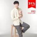 """:: เสื้อเชิ้ตแขนยาว ผ้าOxford - Premium Oxford Shirt ::   รายละเอียดสินค้า + ขนาด : Size S : ไหล่ 16"""" รอบอก 38"""" ความยาว 27"""" ความยาวแขน 23"""" Size M : ไหล่ 17"""" รอบอก 40"""" ความยาว 28"""" ความยาวแขน 23.5"""" Size L : ไหล่ 18"""" รอบอก 42"""" ความยาว 29"""" ความยาวแขน 24"""" Size XL : ไหล่ 19"""" รอบอก 44"""" ความยาว 30"""" ความยาวแขน 24.5"""" +โทนสี : เหลือง + ราคา : 890 บาท  . . . . . . . . . . . . . . . . . . . . . . . . . . . . . . . . . .  คำอธิบายสินค้า (Description)  Premium Oxford Shirt (Imported material) เสื้อเชิ๊ต Oxford July Series  ผลิตจากผ้าคอตตอน 100% ทอแบบ Oxford ผ้าเกรด Premium นำเข้าจากต่างประเทศ ตัวผ้าไม่หนาหรือบางจนเกินไป ระบายอากาศได้ดี เหมาะกับอากาศของประเทศไทย ผิวสัมผัสนุ่มลื่น ผ่านขบวนการการที่ทำให้สีไม่ตก และลดอัตราการหดของผ้าจากการซักแล้ว  ทรง Regular fit พอดีตัว ช่วงอกเท่ากับส่วนเอวไม่เข้ารูปมากจนเกินไป เหมาะสำหรับทั้งวันทำงาน และวันสบายๆ คอปกแบบ Button Down Collar ให้ Look แบบ Smart casual เพิ่มดีเทลด้วยกระดุมที่ด้านหลังของคอเสื้อ ทำให้คอเสื้ออยู่ทรงสวยงาม งานตัดเย็บระดับพรีเมี่ยม กระดุมทุกเม็ดสั่งผลิตเป็นพิเศษสำหรับเสื้อของทางร้านเท่านั้น ปักโลโกร้านบนอกเสื้อด้านซ้าย และไม่ลืมกระดุมสำรองสำหรับเสื้อ SLOPE ทุกตัว  เสื้อเชิ๊ตรุ่นนี้สามารถซักด้วยเครื่องซักผ้าได้ ไม่แนะนำให้ใช้น้ำยาฟอกขาว ใช้แปรงในการซัก หรือแช่ผ้านานเกินไป  . . . . . . . . . . . . . . . . . . . . . . . . . . . . . . . . . .  #SLOPEMenswear #men #ผู้ชาย #เสื้อเชิ้ต #เสื้อเชิ้ตแขนยาว #เสื้อเชิ้ตสีขาว #เสื้อเชิ้ตคอจีน #SLOPEMenswear #SLOPEMenswear"""